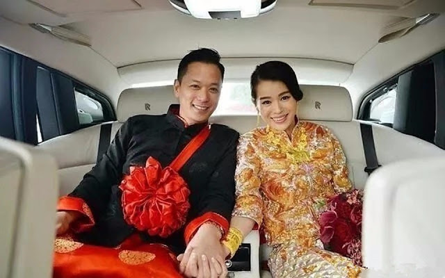 traditional Chinese wedding attire Myolie Wu