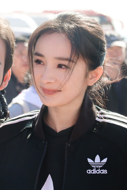 Yang Mi Storm Eye boot ceremony