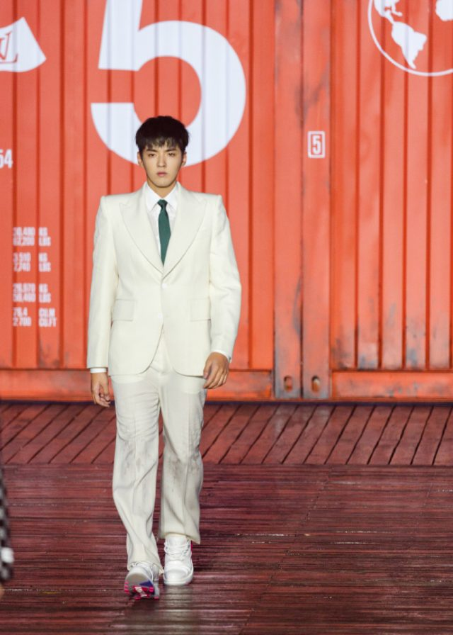 Kris Wu Closes the Louis Vuitton Men's Fashion Show in Shanghai