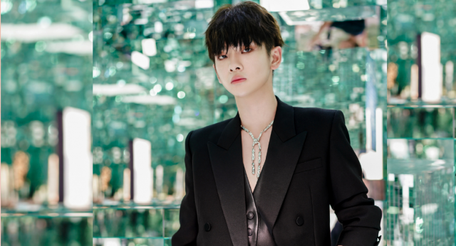 Zhou Zhennan Apologizes for His Parents' Debt Controversy, Promises to Stand By Them and Help Affected Individuals Recoup Their Losses