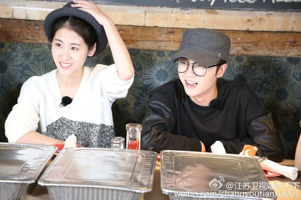 Hua Chenyu and Zhang Bichen Make a Surprising Revelation That They Have a 1-Year-Old Daughter Together