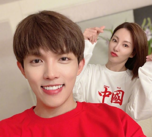 """Zhang Yuqi Quits """"Meeting Mr. Right"""" After Being Angered Over How Her Boyfriend Was Depicted on the Show"""